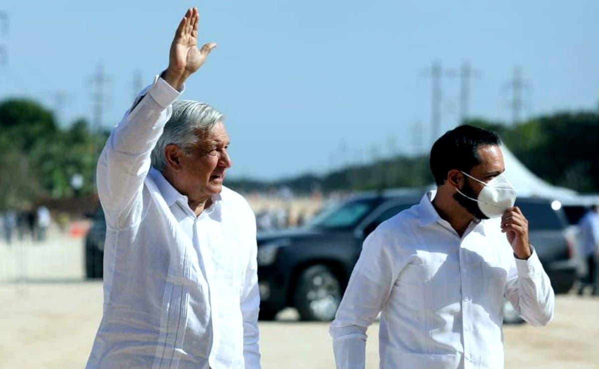 AMLO en su visita a Yucatán anuncia plan de vacunación contra Covid para maestros
