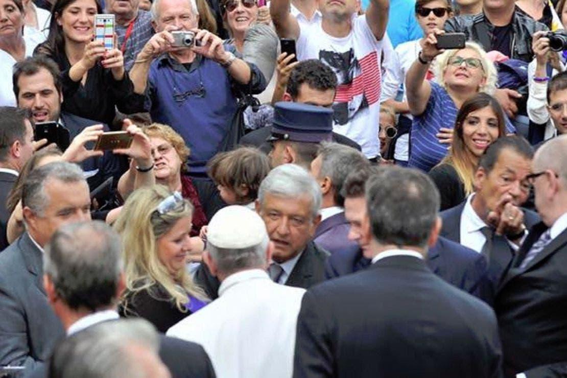 Papa Francisco pide a Biden liberar vacunas para México