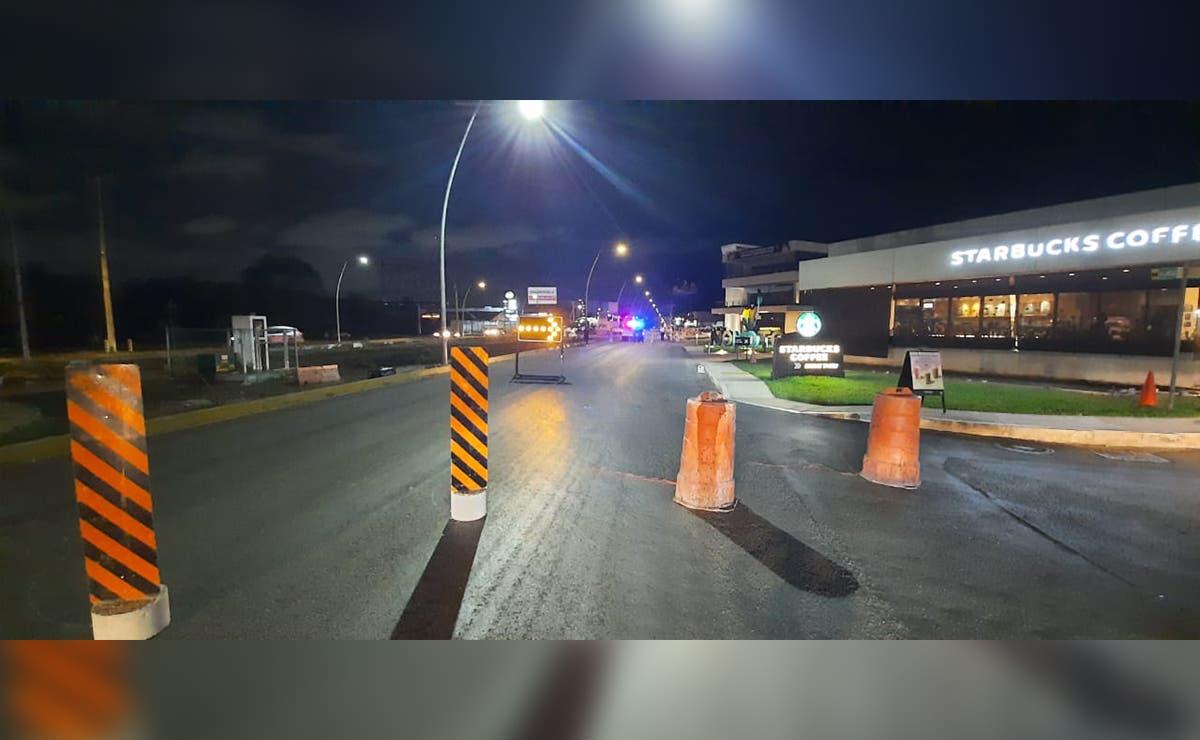 Cierran avenida Huayacán de Cancún en ambos carriles