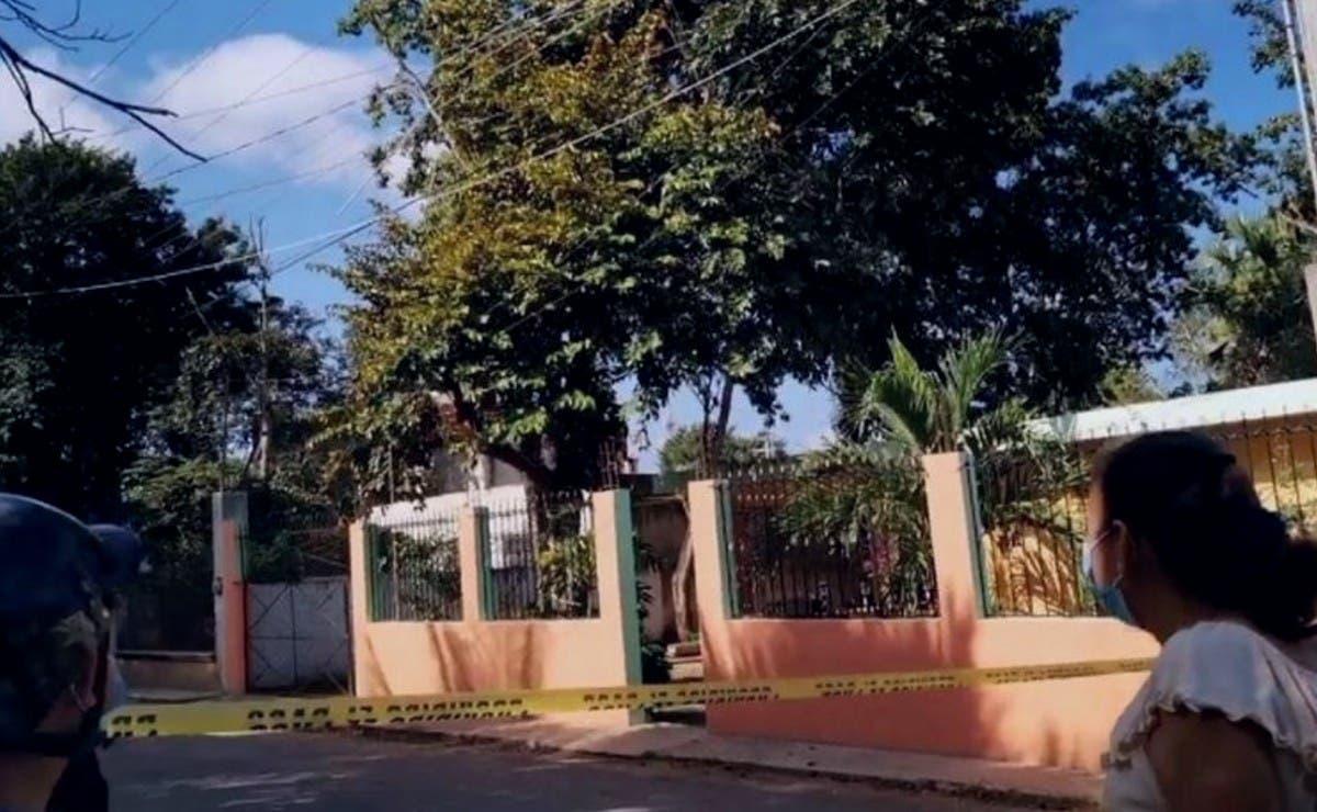 Hombre muere electrocutado tras bajar unos frutos en casa ajena de Oxkutzcab