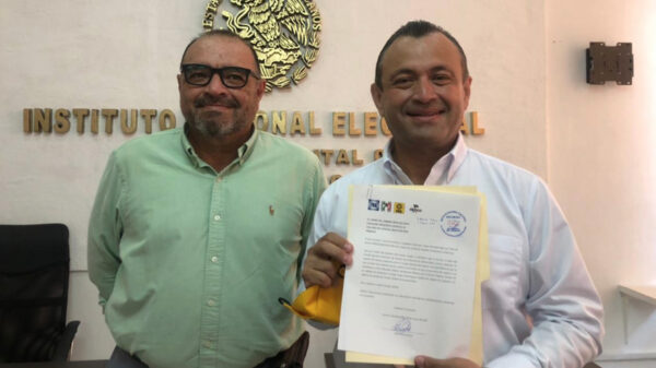 Eloy Peniche Ruiz se registró ante el INE por el Distrito 03