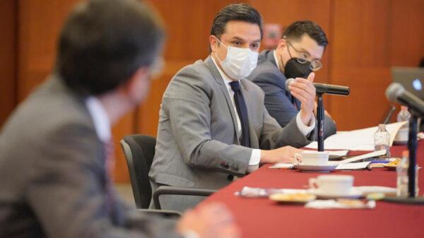 Trabajadores mexicanos en el extranjero, podrán contar con IMSS