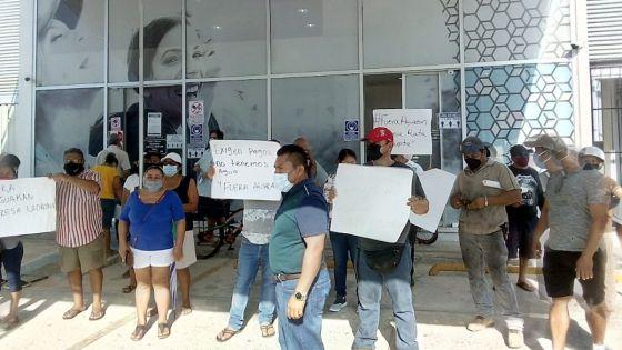 Se manifiestan habitantes de Playa del Carmen contra Aguakan