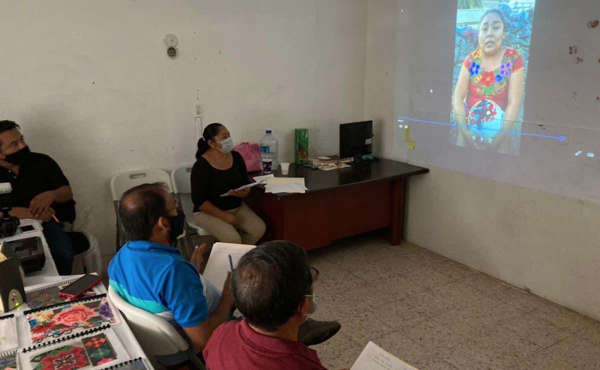 Mujeres mayas exponen arte popular en concurso estatal