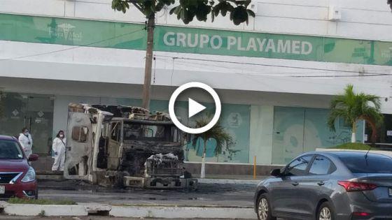 Video: Incendian ambulancias de Playamed en Cancún.