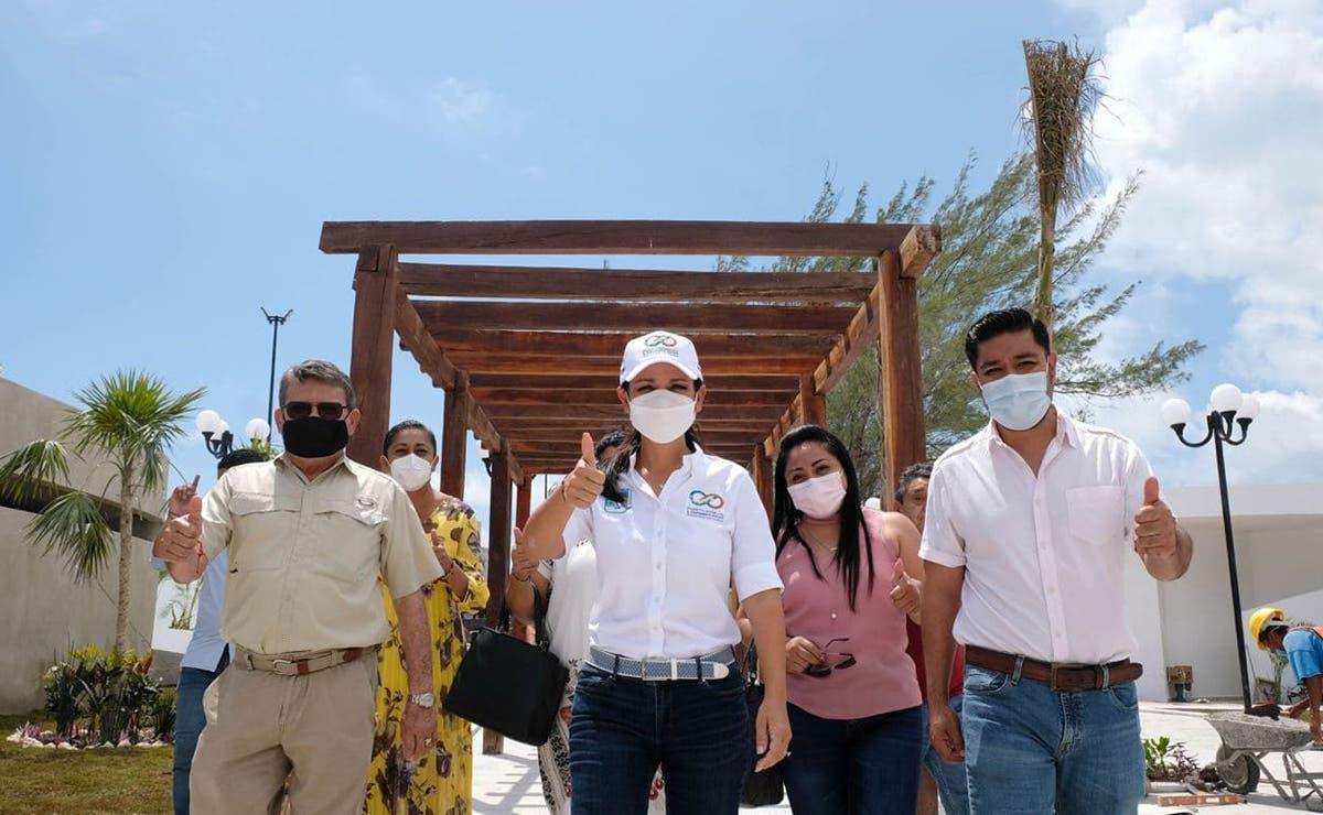 """Rinden honor a los pioneros de Puerto Morelos, nombran el parque """"Fundadores"""""""