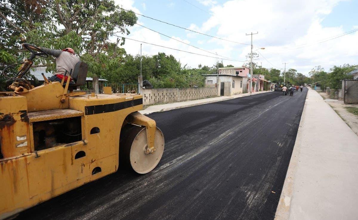Gobierno de Puerto Morelos da un nuevo rostro a leona Vicario con pavimentación de calles