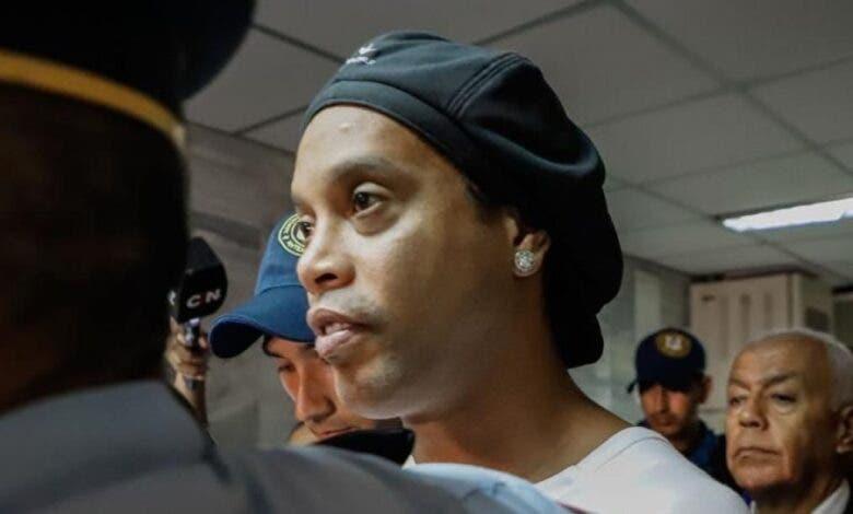 Ronaldinho recae en el alcoholismo tras la muerte de su madre
