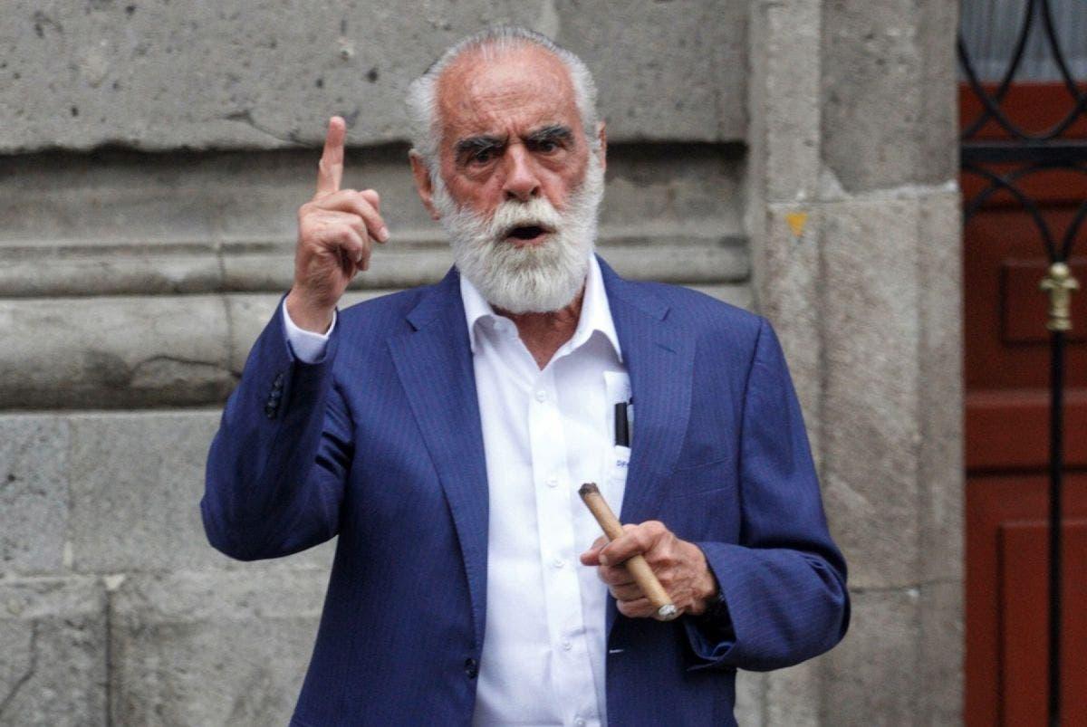 """A falta de cuadros políticos, oposición """"exhuma"""" los restos del """"Jefe"""" Diego"""