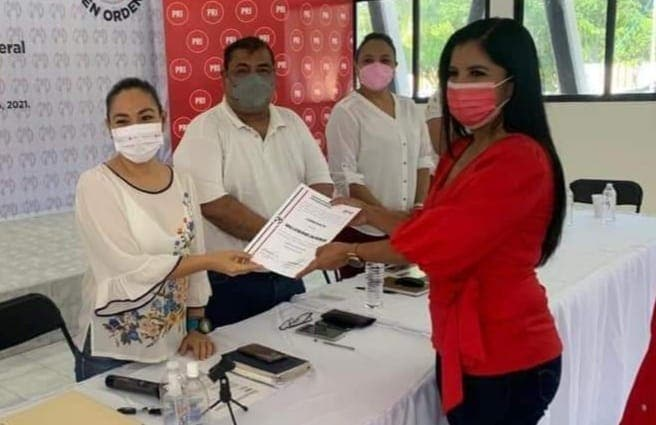 Trasciende dimisión de candidata del PRI en Puerto Morelos.