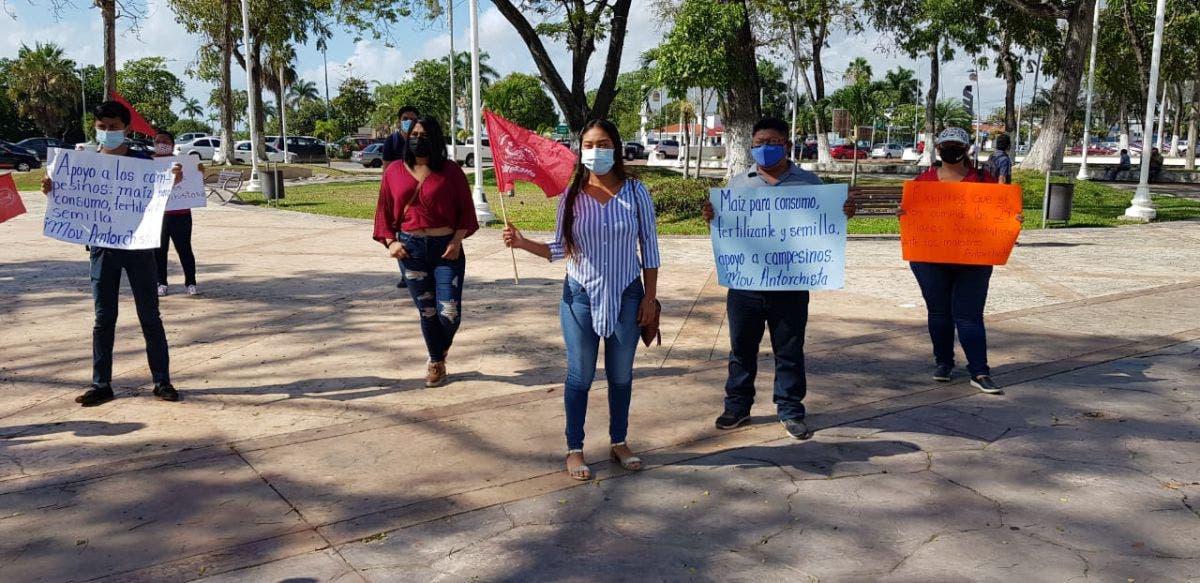 Familias vulnerables exigen obras y servicios en la Zona Sur de Quintana Roo.