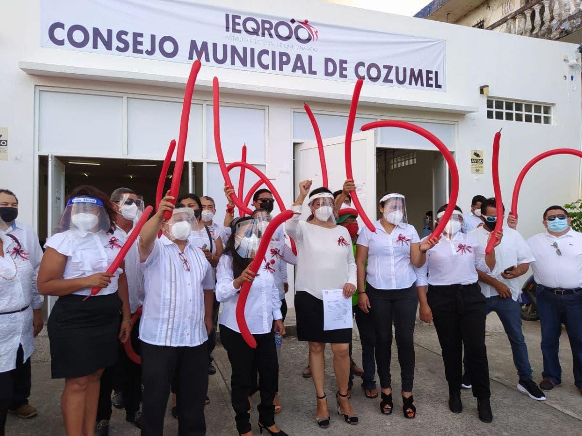 En Cozumel se registran los primeros candidatos a la Presidencia.