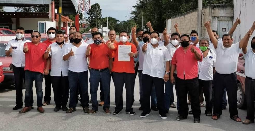 Ariel Peniche Rodríguez se convierte en líder de los taxistas de Isla Mujeres.