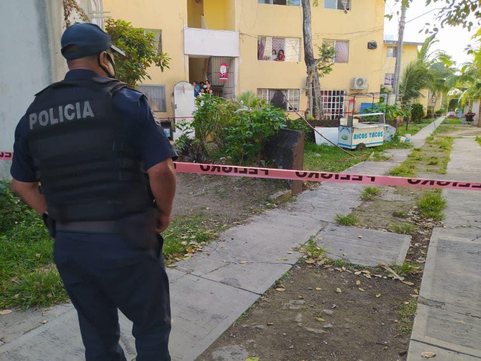Despiertan a balazos a vecinos del fraccionamiento Cozumel Turístico.