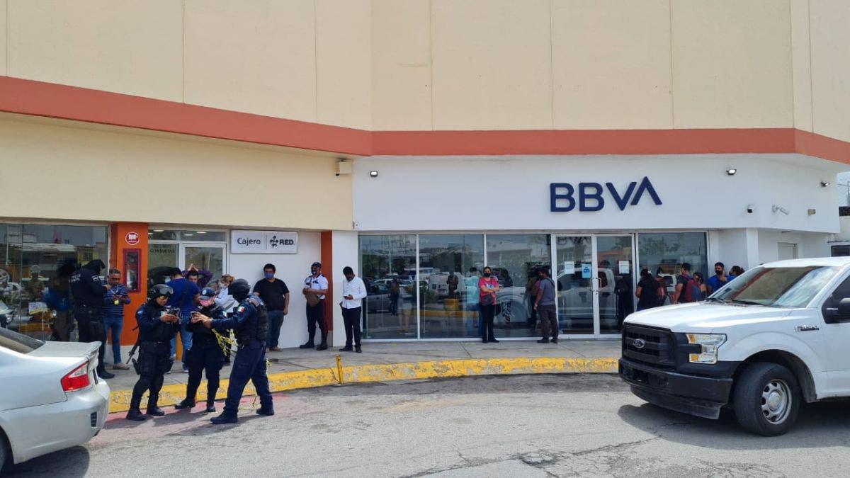 Despojado de $1 millón a las puertas de un banco en Cancún.