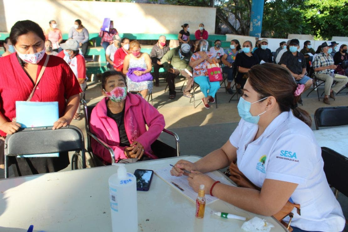 Inició en José María Morelos la jornada de vacunación contra Covid-19 en adultos mayores.