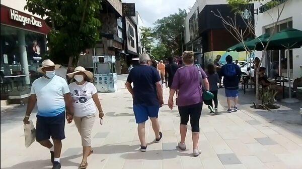 Aumenta la actividad turística en la Quinta Avenida.