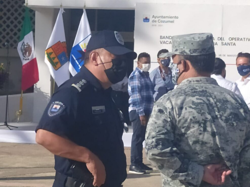 Abusa de su autoridad Renán Rosas, director de la Policía de Cozumel; da trato déspota a sus subalternos que no hacen lo que él dice.