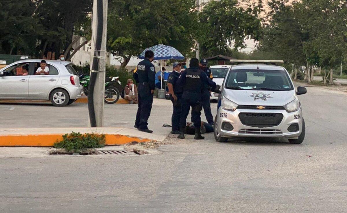 Encarcelan a cuatro policías de Tulum por feminicidio de Victoria; la mujer sufrió fractura de columna debido a la fuerza bruta durante su detención.