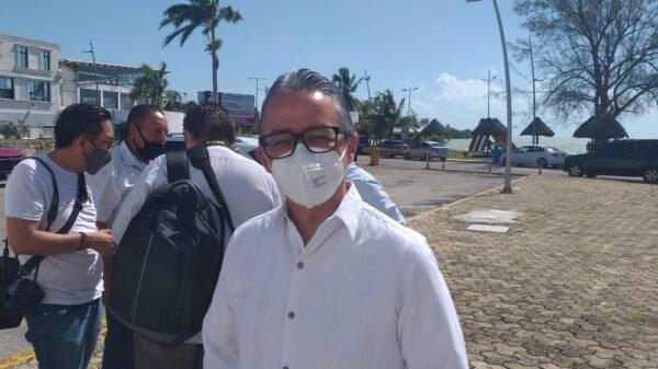 Quintana Roo no es un estado feminicida, refuta el fiscal Óscar Montes de Oca.