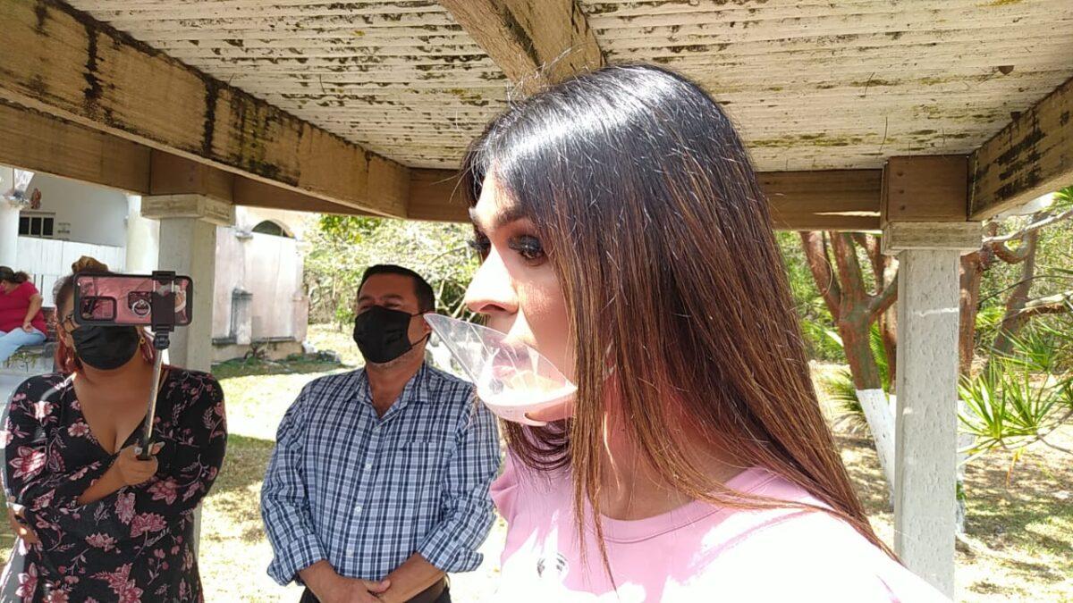 En hecho histórico en Quintana Roo entregan acta con cambio de identidad de género; Alana Cordero, es el primer transgénero en hacerlo.