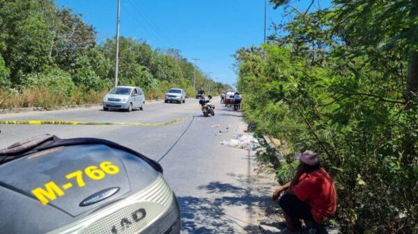 Video: Combi arrolla y mata a un pepenador en el Arco vial de Cancún.