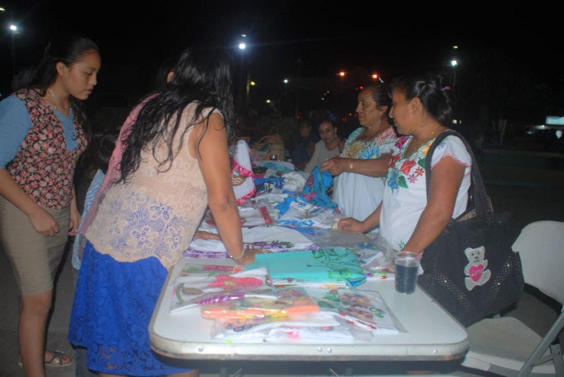Concursan mujeres mayas de X-Pichil en el 'Artesano del año 2021.