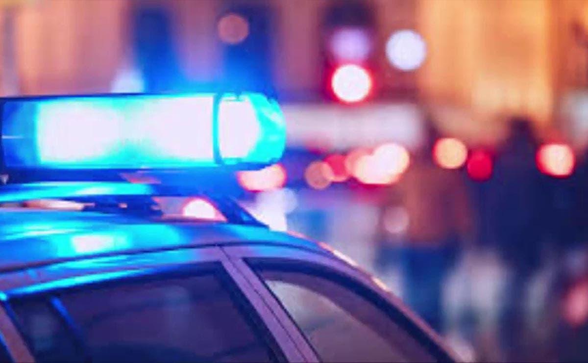Hombres armados irrumpen en hospital y se desata una balacera