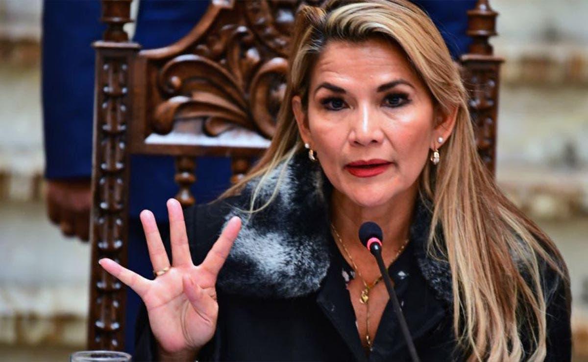 Expresidenta de Bolivia pide ayuda tras su detención