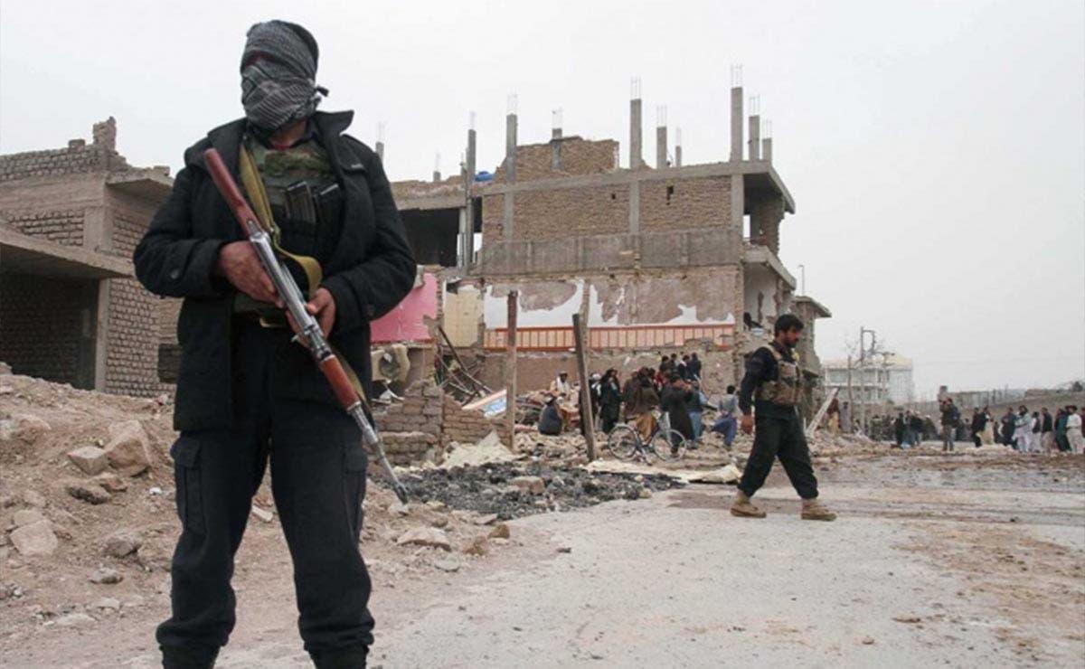 Coche bomba deja al menos 8 muertos en Afganistán
