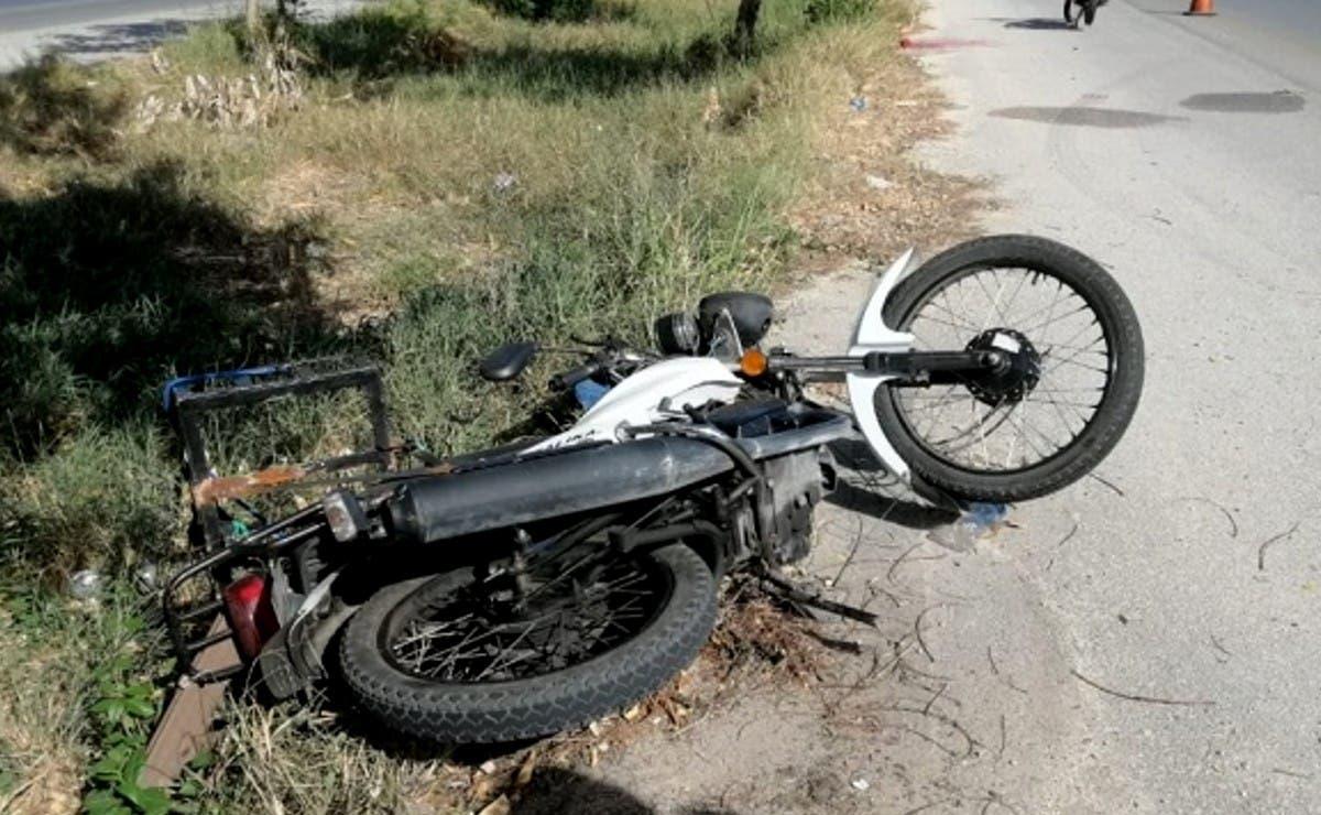 Motociclistas chocan en el periférico de Mérida; uno se encuentra lesionado de gravedad