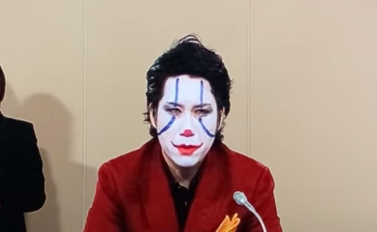 En las elecciones como en el amor todo se vale, sino chequen la historia de Yuusuke Kawai, quien se postuló como candidato a gobernador