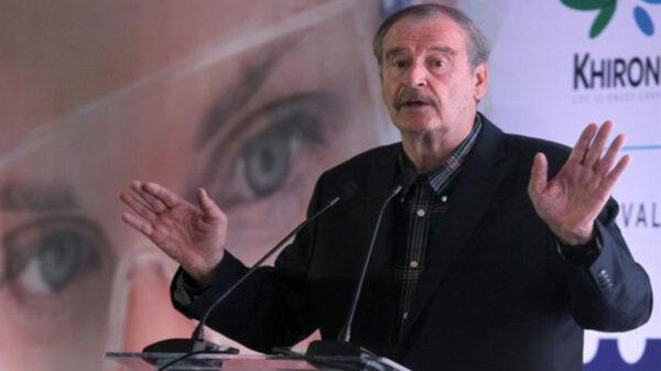 Luego de difundir un promocional de una fiesta de motocicletas, en el cual aparece tres mujeres en bikini, el expresidente Vicente Fox Quezada, fue tundido en redes sociales