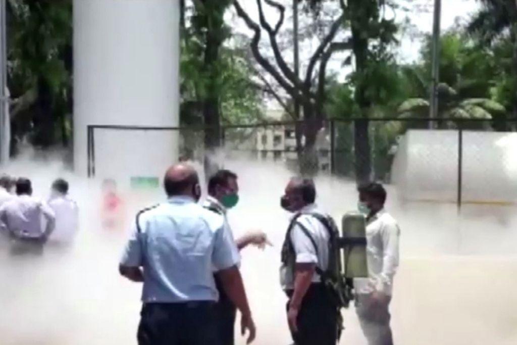 En India mueren 22 pacientes de Covid al cortarse el suministro de oxígeno (VIDEO).