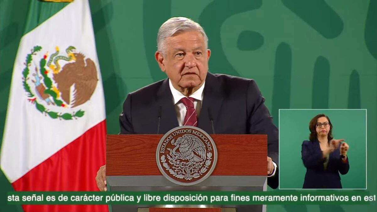 Defendemos la democracia; fraudes originaron crisis en México: AMLO