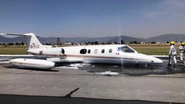Aterriza de emergencia aeronave en Toluca, procedente de Cancún
