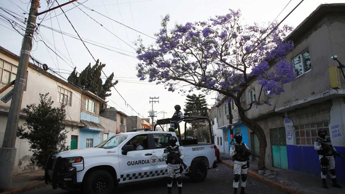 Brigada de vacunación es atacada a balazos en Michoacán