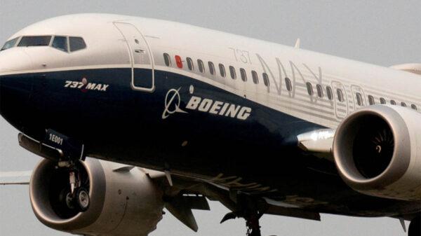 Encuentran más problemas en aviones Boeing 737 MAX