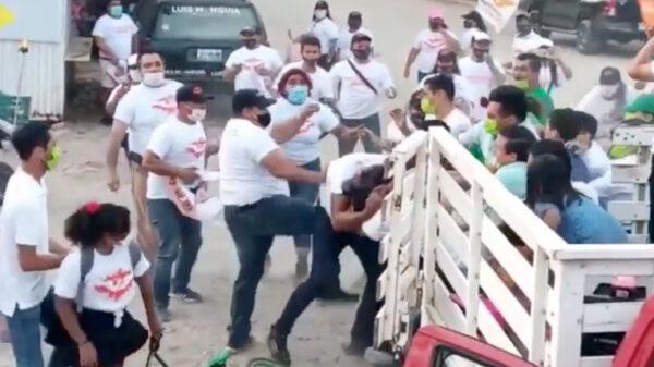 Video: Batalla campal entre porras del PVEM y Movimiento Ciudadano