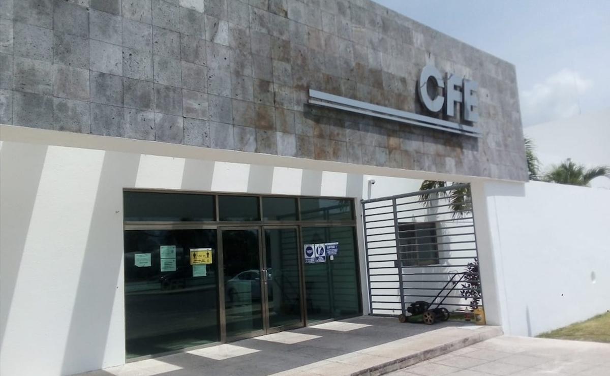 Ignora CFE a usuarios afectados por apagones en Playa del Carmen