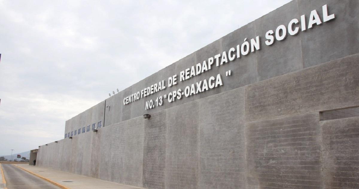 Logra AMLO reducir 15 % costo de penales concesionados por Calderón