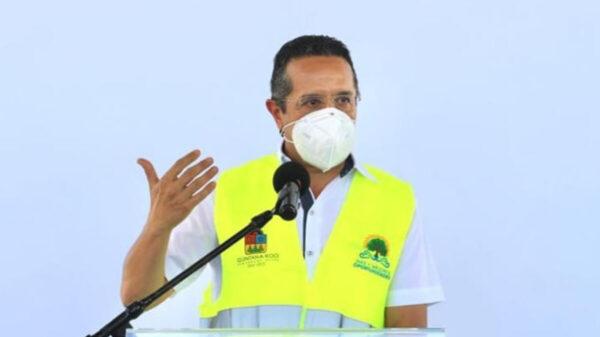 """Exhortamos a cumplir los aforos establecidos en el plan """"Reactivemos Quintana Roo"""": Carlos Joaquín"""