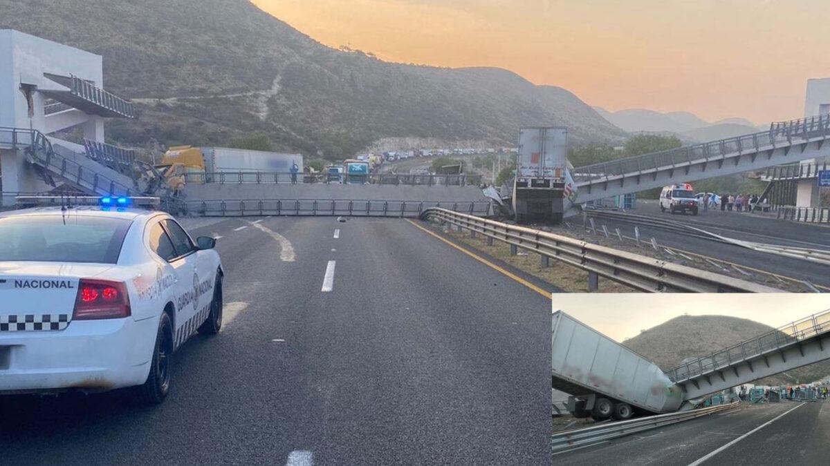 Colapsa puente peatonal y aplasta dos tráileres