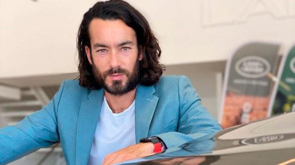 'Crucifican' a Aarón Díaz en redes sociales por recrear 'La Última Cena'