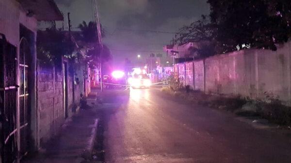 Cancún: ataque a balazos en la SM 95 deja un muerto y un lesionado, los sicarios irrumpieron en un domicilio y dispararon a quemarropa