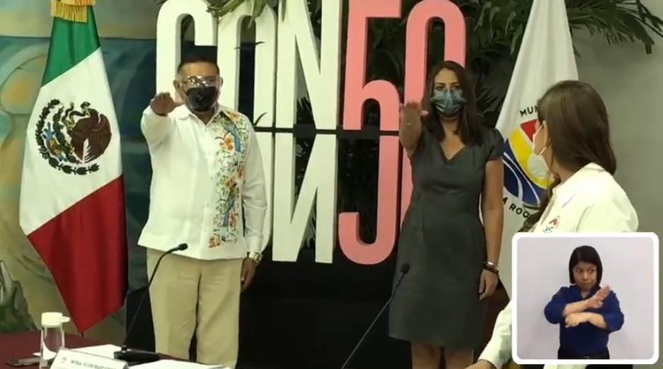 Rinde 'Huacho' Magaña protesta como regidor en el Cabildo benitojuarense.