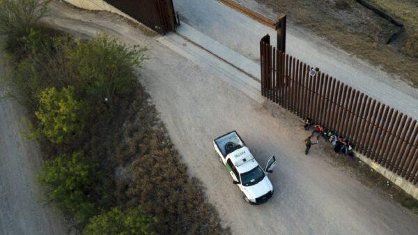 """""""Operación Centinela"""" busca desarmar tráfico de migrantes"""