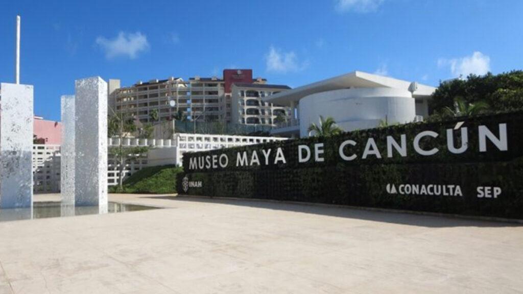 Por brote de covid-19, cierran Museo Maya de Cancún