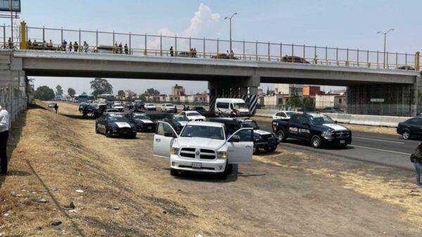 Persecución de presunto ladrones deja un policía muerto en Edomex