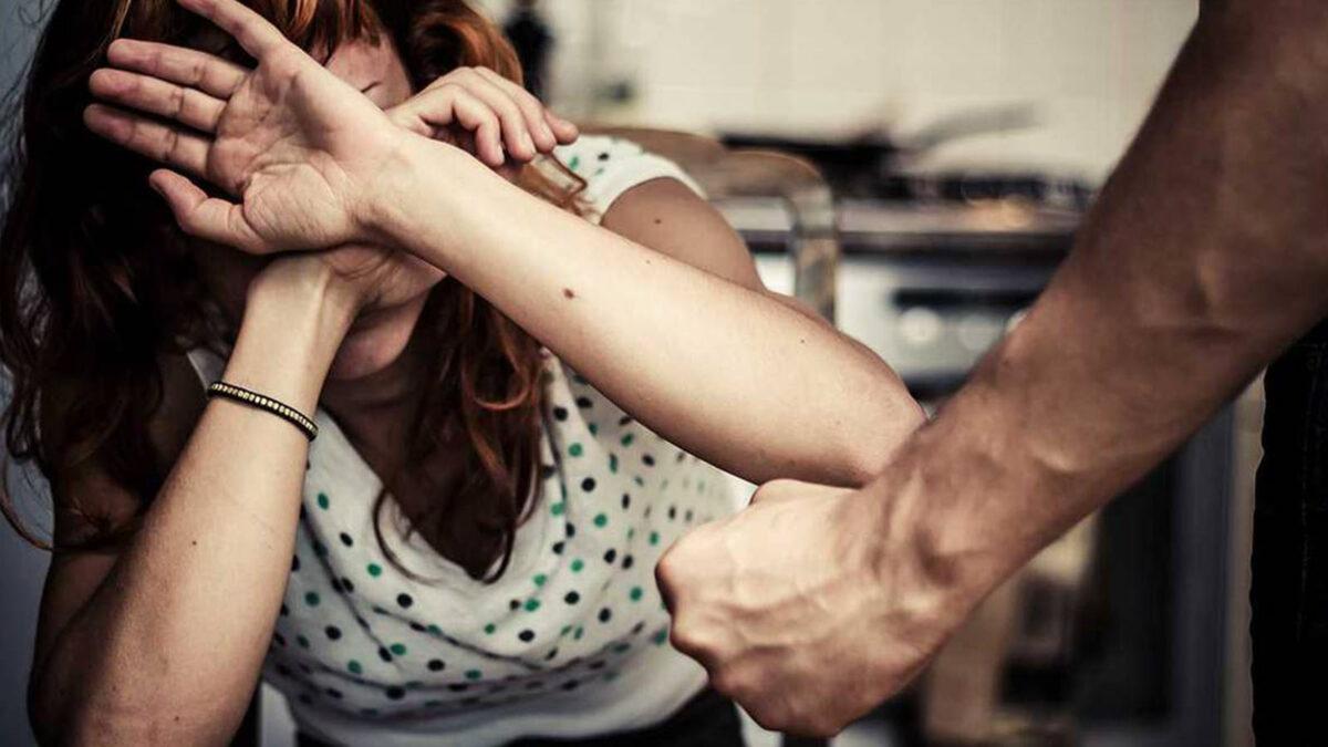 Profesora es agredida por su pareja cuando daba clase virtual